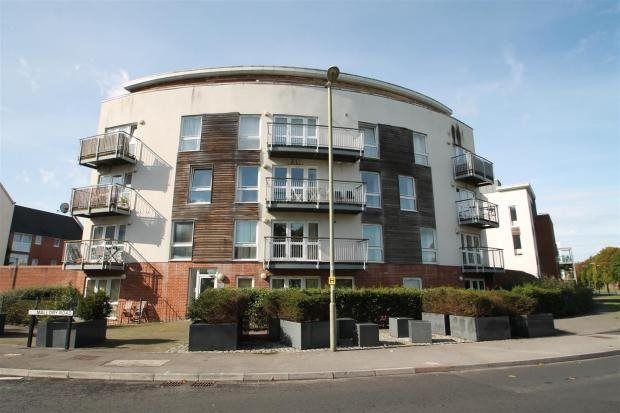 Thumbnail Flat to rent in Edmund Court, Basingstoke