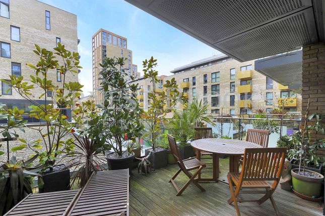 Thumbnail Flat to rent in Sirius House, Marine Wharf, Surrey Quays