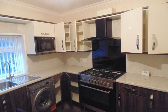 Thumbnail Terraced house to rent in Old Leeds Road, Bradford