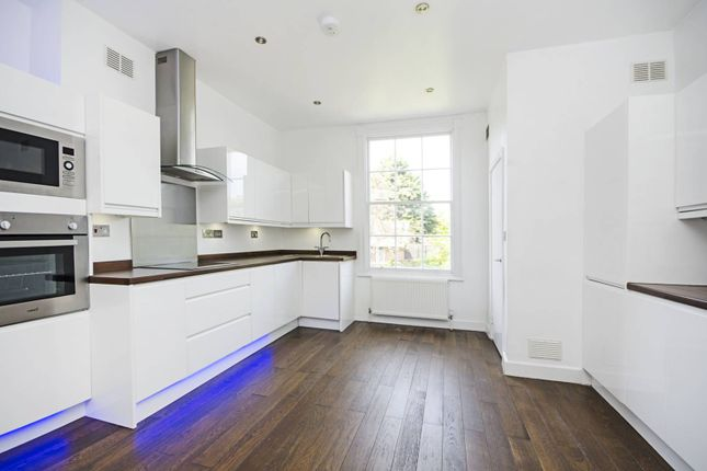 Thumbnail Maisonette to rent in Lansdowne Drive, London Fields