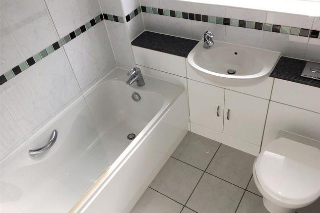 Bathroom of Lancaster Drive, Paignton TQ4