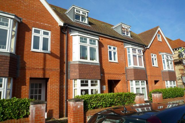 Thumbnail Flat to rent in Wordsworth Road, Worthing