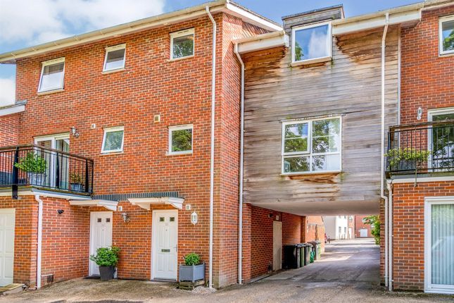 1 bed terraced house for sale in Athelstan Road, Winchester SO23
