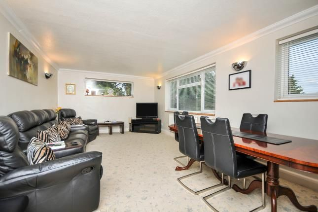 Lounge of Pampisford Road, South Croydon CR2