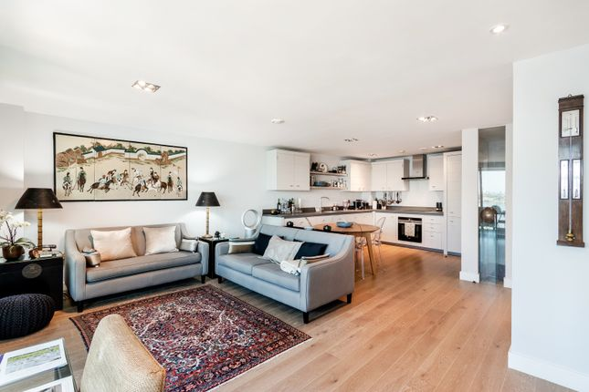 Thumbnail Flat for sale in Altura Tower, Battersea, London