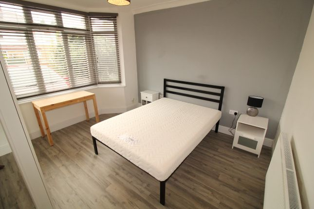 Thumbnail Room to rent in Lower Road, Beeston, Nottingham