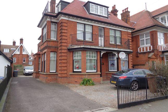 Thumbnail Flat to rent in Leopold Road, Felixstowe