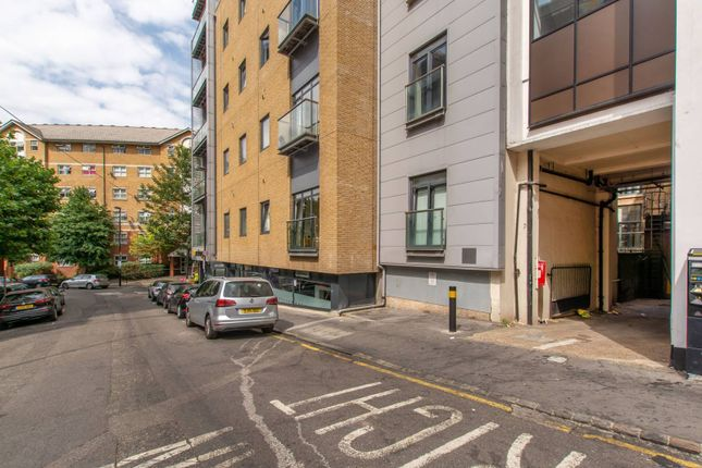 Parking/garage to rent in Scarbrook Road, Central Croydon