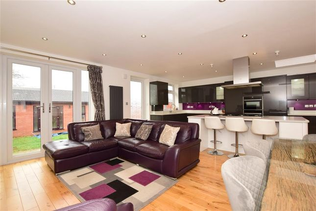 Thumbnail Terraced house for sale in Babbacombe Gardens, Ilford, Essex