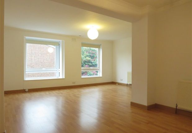 Thumbnail Maisonette to rent in College Road, London