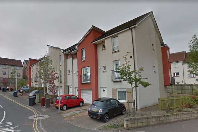 4 bed town house to rent in Brook Close, Dundee DD1