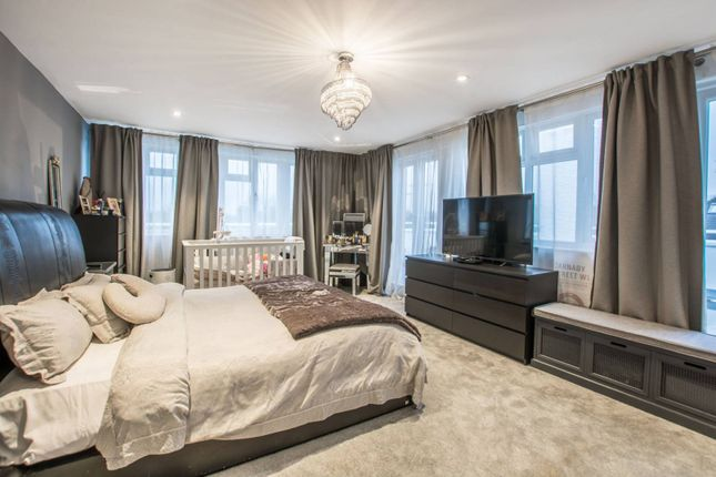 Thumbnail Property to rent in Downage, Hendon, London