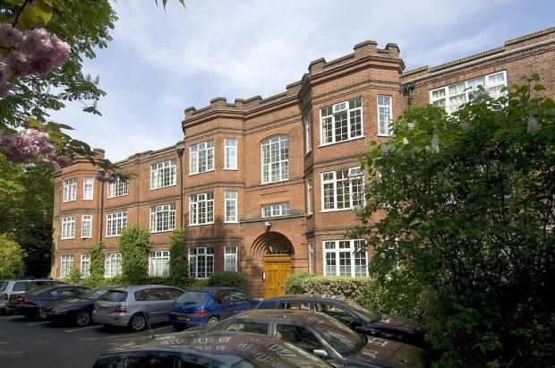 Thumbnail Flat for sale in Muswell Hill Road, Highgate, London
