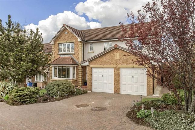 4 bed property for sale in Birrell Gardens, Murieston, Livingston EH54
