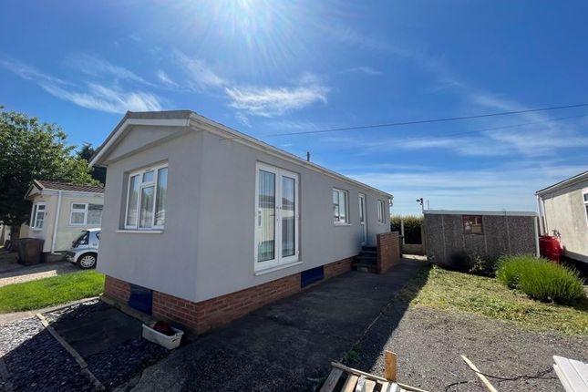 Thumbnail Detached bungalow to rent in Beech Avenue, Charnwood Park Estate, Scunthorpe