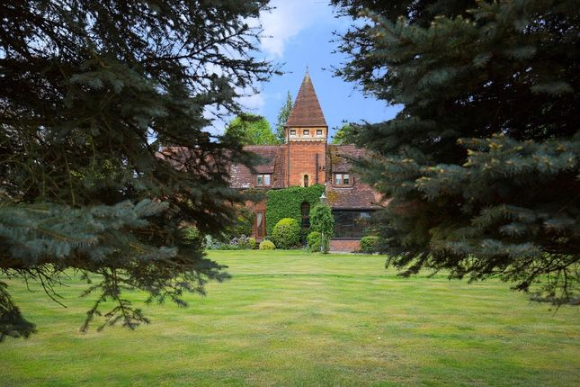 Thumbnail Detached house for sale in Broomfield Park, Sunningdale, Ascot