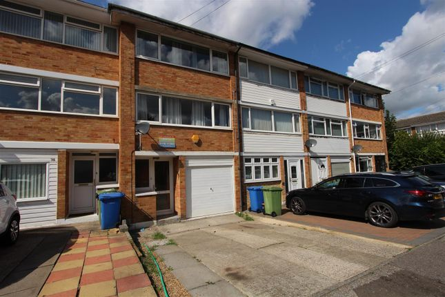 Thumbnail Property to rent in Millfield, Sittingbourne