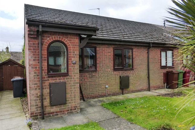 Thumbnail Semi-detached bungalow to rent in Hall View, Messingham, Scunthorpe