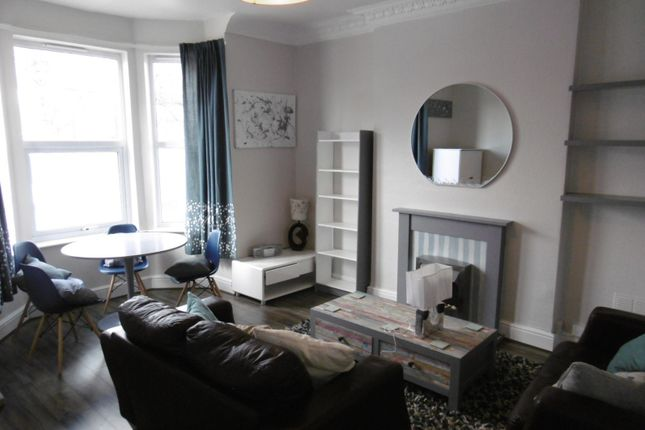 Thumbnail Flat to rent in Laburnum Grove, Beeston
