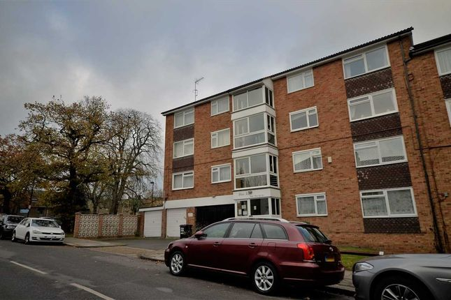 Thumbnail Flat for sale in High Road, Arnos Grove