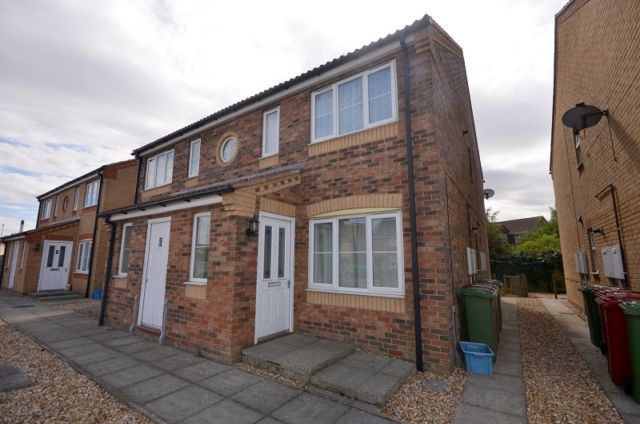 Thumbnail Flat to rent in Lancaster Drive, South Killingholme, Immingham