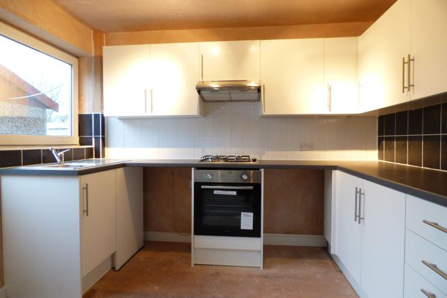 3 bed town house to rent in Garsdale Walk, Knottingley WF11
