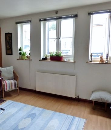 Thumbnail Maisonette for sale in Green Lanes, Winchmore Hill