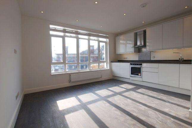 Thumbnail Flat to rent in Westbury Avenue, Turnpike Lane