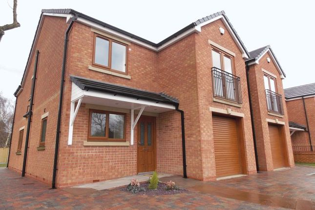 Thumbnail Detached house to rent in Manchester Road, Audenshaw, Manchester