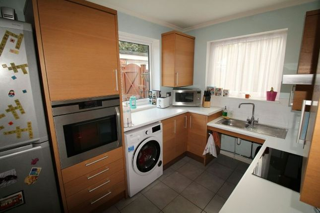 Kitchen of Winton Road, Reading RG2
