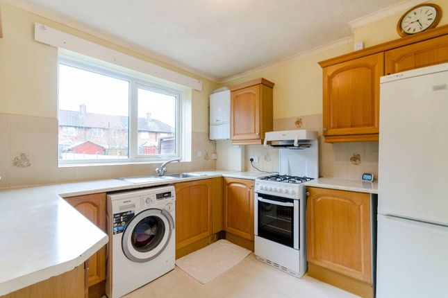 Thumbnail Property to rent in Lindores Road, Sutton, Carshalton