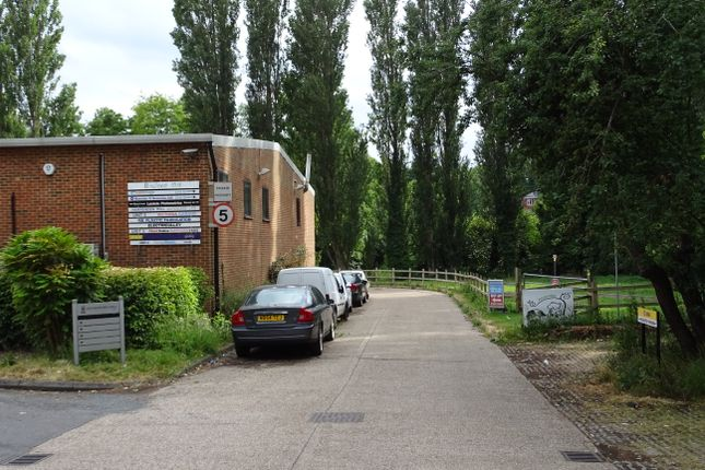 Industrial to let in Lower Luton Road, Harpenden