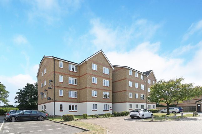 Thumbnail Flat to rent in Longfield Drive, Mitcham