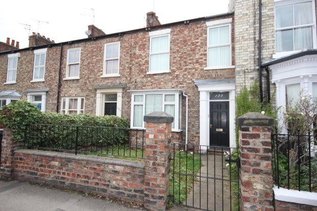 Thumbnail Flat to rent in 133 East Parade, York