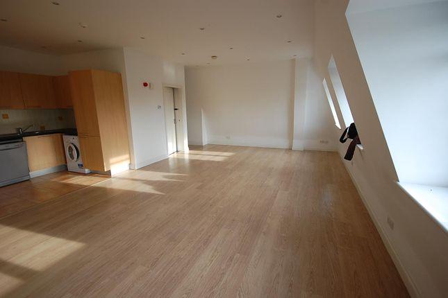 Lounge/Kitchen/Diner/Bedroom