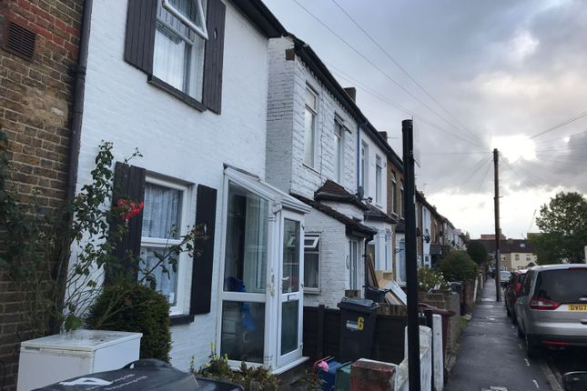 Thumbnail Flat to rent in Osborn Road, Hounslow