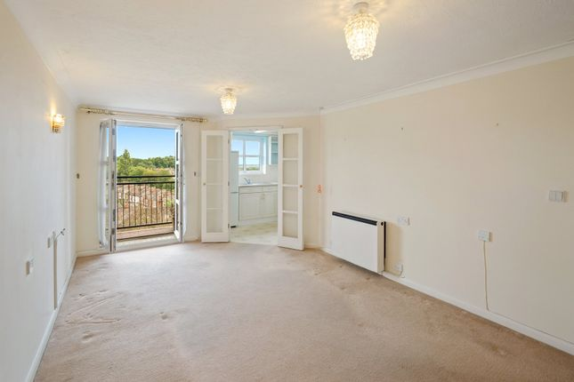 Thumbnail Flat for sale in Bishops View Court, 24A Church Crescent, London
