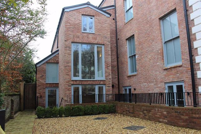 Thumbnail Semi-detached house to rent in Cavendish Road, Bowdon, Altrincham