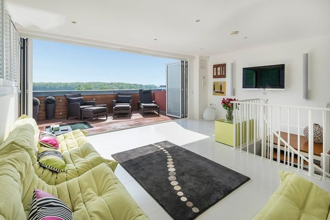 Thumbnail Flat for sale in Rougemont, Kings Hill, West Malling