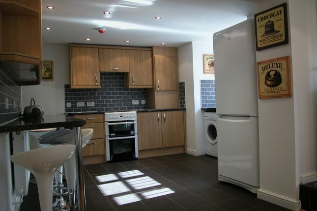 Thumbnail Terraced house to rent in Trelawn Avenue, Leeds