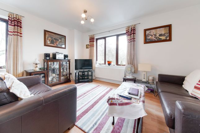 1 bed flat for sale in Alfoxton Avenue, London N15