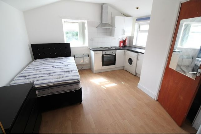 Studio to rent in Cathays Terrace, Cathays, Cardiff CF24