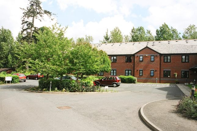 Thumbnail Flat to rent in Woodville Grove, Sutton St Nicholas, Herefordshire