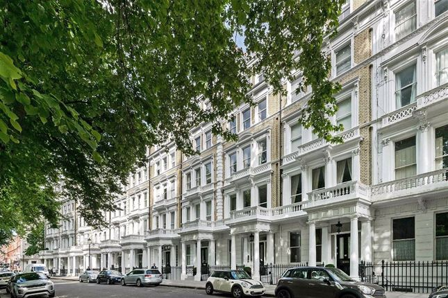 1 bed flat for sale in Courtfield Gardens, London SW5