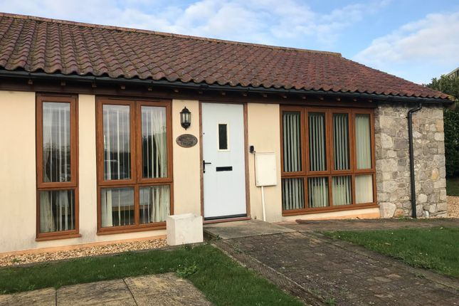 Thumbnail Barn conversion to rent in West Rolstone Road, Hewish, Weston-Super-Mare