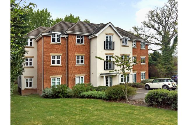 Thumbnail Flat for sale in John Norman Grove, Lightwater