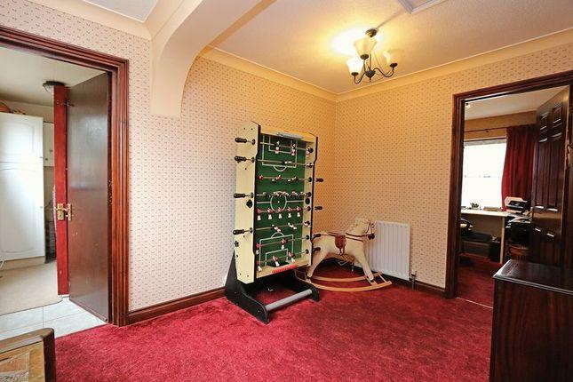 Family Room of Hatchlands, Great Holm, Milton Keynes MK8