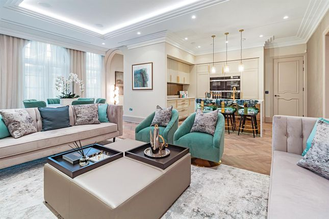 Thumbnail Flat for sale in Hanstead House, Bricket Wood, St Albans