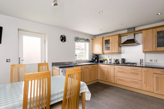 4 bed property for sale in Regent Mews, York
