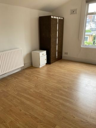 Thumbnail Terraced house to rent in Kensington Ave, London